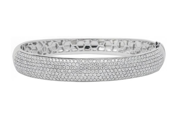 18 ct wg pave setting diamond hinged bangle by kalfin jewellery