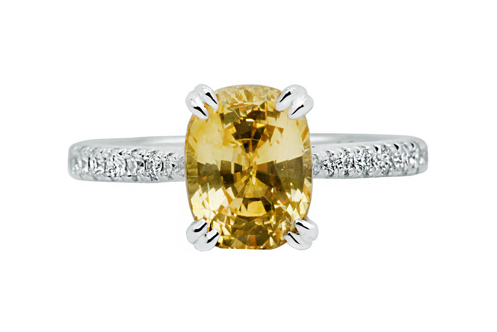 Ring With Cushion Cut Yellow Sapphire