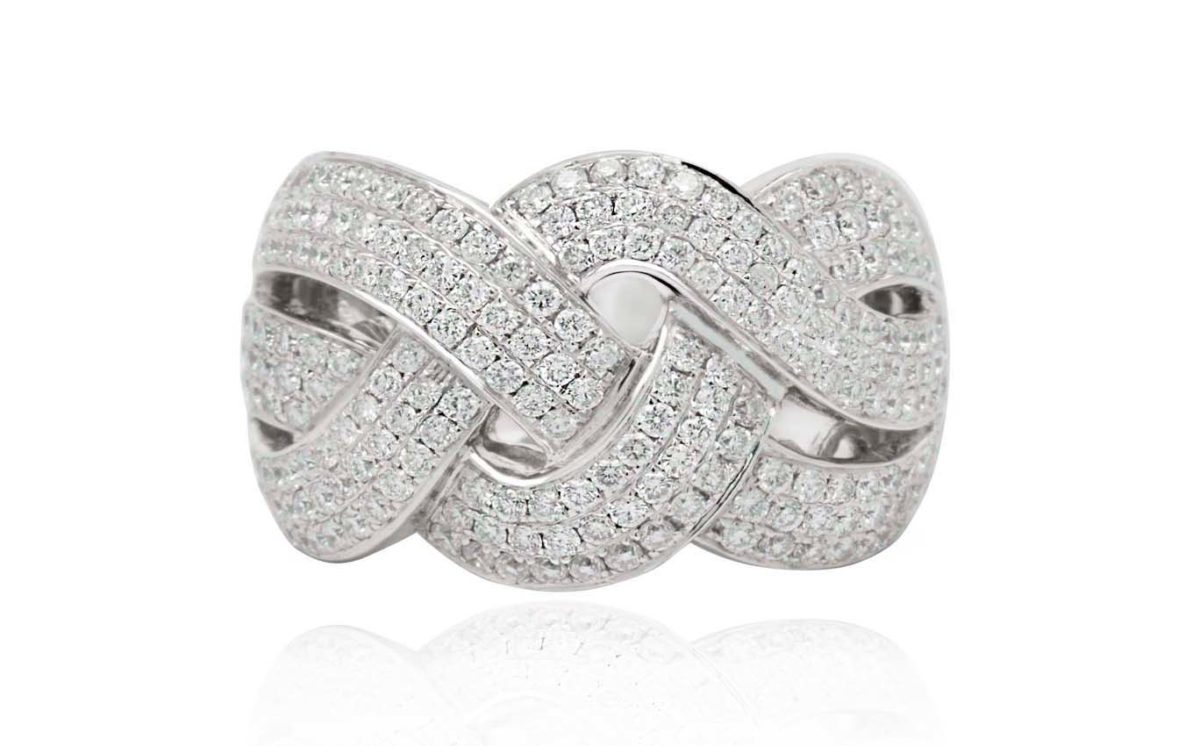 Linda Dress ring with diamonds