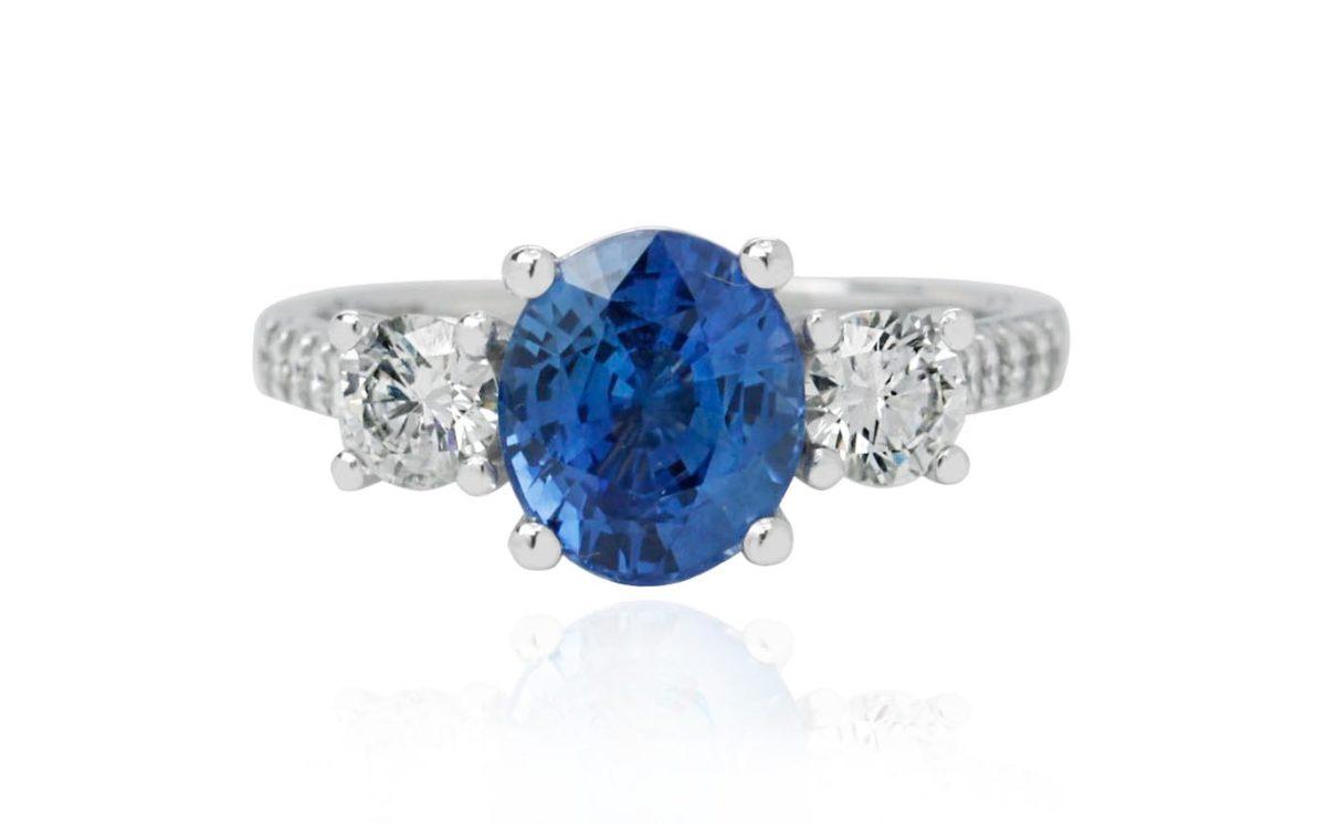 Mallows Sapphire White gold diamond engagement ring