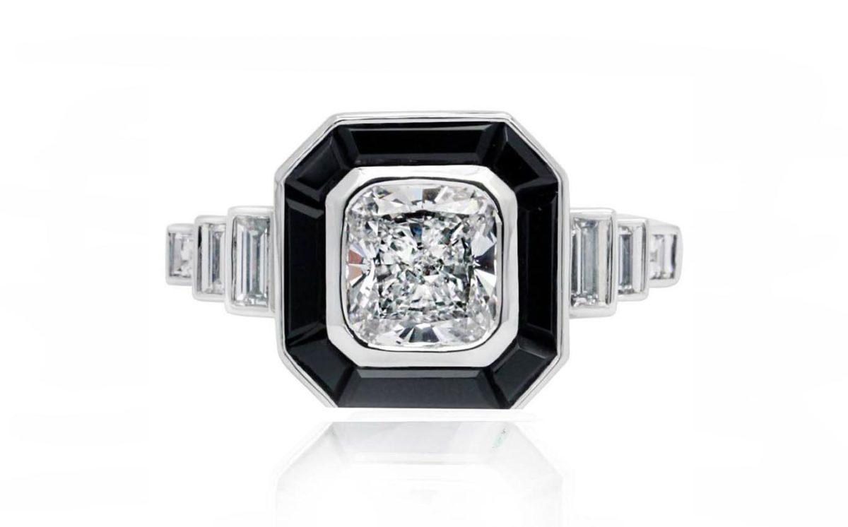 VALERIA Platinum, Cushion cut Diamond surrounding by black spinel