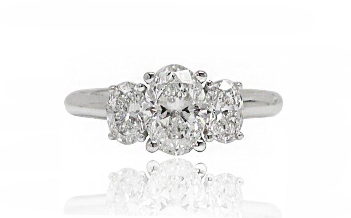 Vera White gold diamond engagement ring
