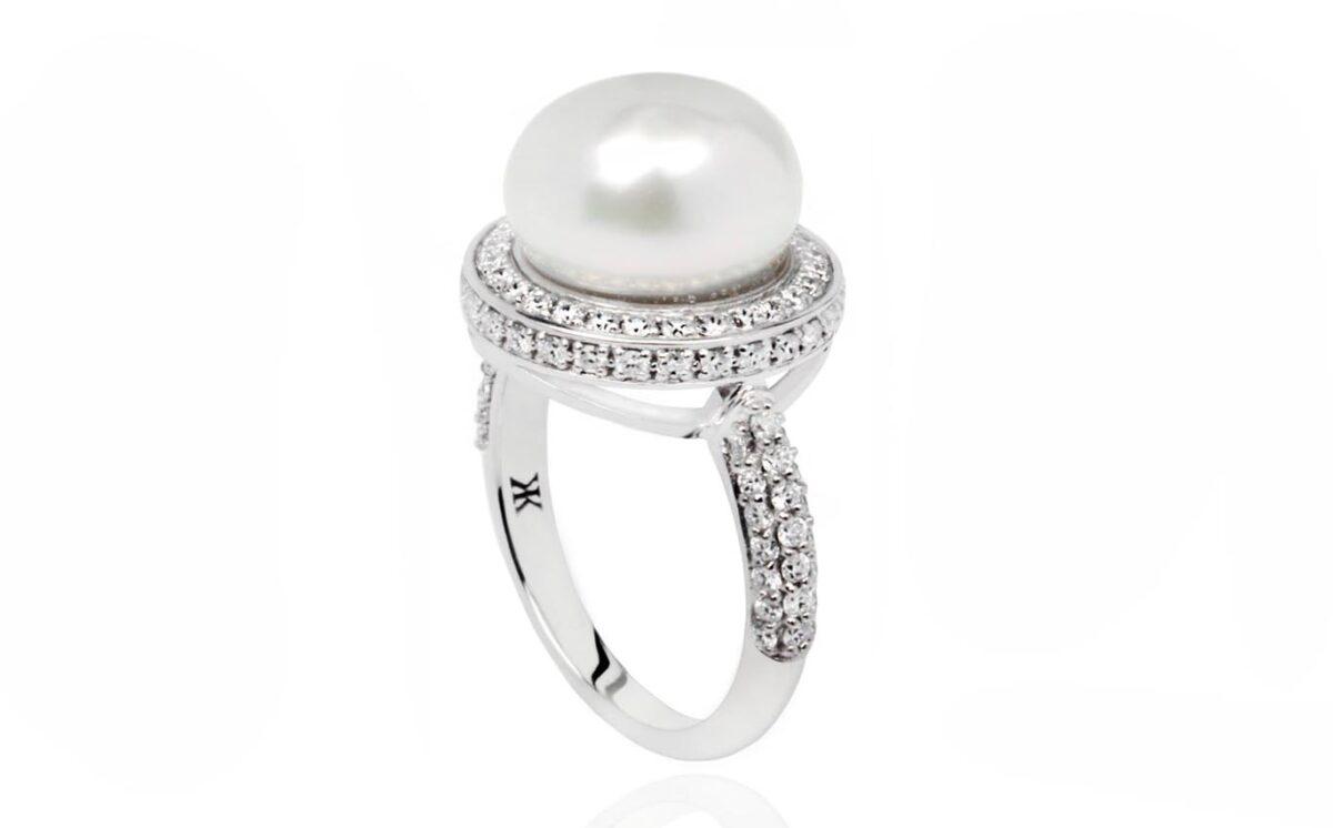 CATALINA Pearl white gold diamond ring